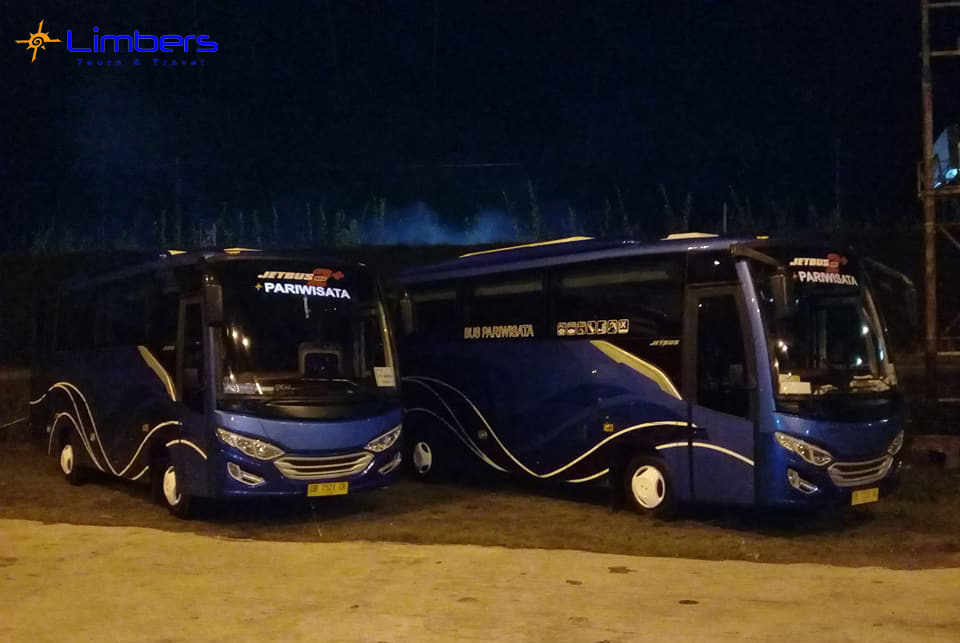 BUS 35seats Standby w/ Wika Group @City Extra Seafood Restaurant Manado